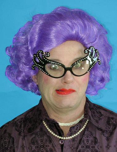 Wig1133nnrDame Edna